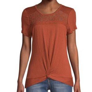 No Boundaries Juniors crochet twist front T-shirt